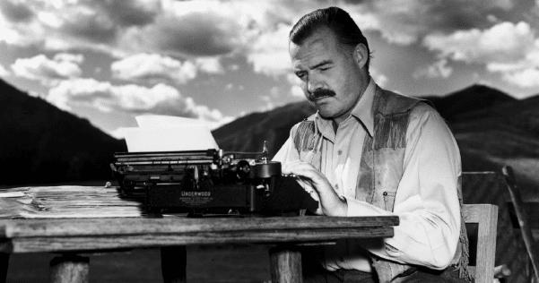 O escritor norte-americano Ernest Hemingway